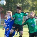 Hobys Geovanni Lucero i en närkamp under matchen
