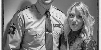 Calle Nilsson lämnar Umeå med nya vänner, polisexamen samt kärleken Aline Väringe i bagaget för nya utmaningar som polisassistent Karlskrona efter polisexamensceremoni i Aula Nordica på Umeå Universitet i Umeå den 15 juni ( Foto: Lars Nilsson / Calegula Foto )